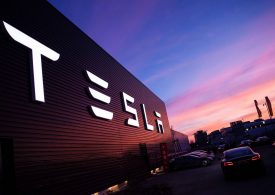 Elon Musk despide al 7% de sus trabajadores en Tesla