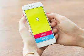 Empleados de Snapchat habrían espiado a usuarios