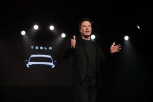 Elon Musk planea hacer un auto submarino
