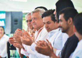 Refrenda AMLO respeto al EZLN