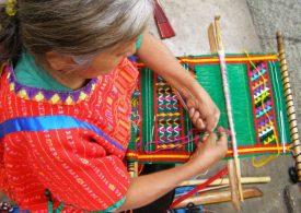 Exposición triqui en San Lázaro