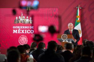 Andrés Manuel López Obrador descanso obligatorio fines de semana largos