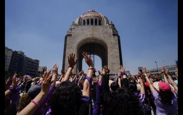 Las mujeres mueven y paran a México